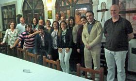 Asier Vallejo, segundo por la derecha, con la colectividad en Chascomús.