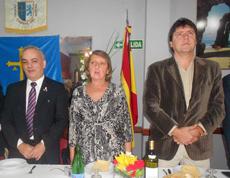 El presidente de la institución, Carlos Ferré, primero por la izq., junto a algunas de las autoridades invitadas.