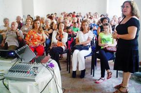 Conferencia de Alina de la Cruz.