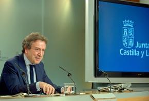 El consejero de Presidencia, José Antonio de Santiago-Juárez, explicó los cambios.