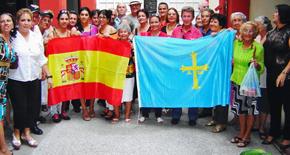 Miembros de la Comunidad Asturiana en Holguín.