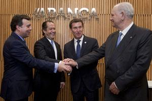 Francisco Botas, Juan Carlos Escotet, Alberto Núñez Feijóo y Javier Etcheverría se felicitan por el nacimiento de Abanca.