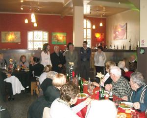 Un momento del almuerzo por el aniversario del Centro de Día.