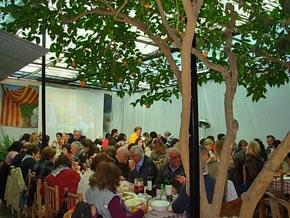 Vista de los asistentes a la paella del mes de julio.
