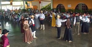 Muy concurrida la celebración del Día de Canarias.