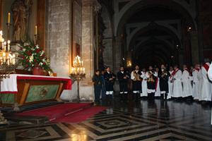 Actuación de los gaiteros del Lar Gallego en la misa celebrada en la Catedral.