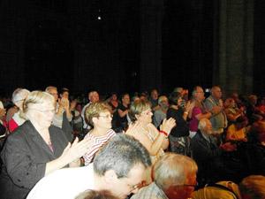 El público francés aplaudió con entusiasmo y puesto en pie la actuación del Orfeón del Barco de Valdeorras.