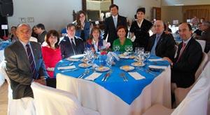 La presidenta de Lar Gallego, María Myriam López Marín, e invitados.