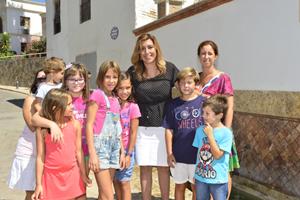 La presidente de la Junta, Susana Díaz, en un momento de su visita a la población almeriense de Terque.
