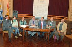 Mesa de autoridades de la nueva asociación.