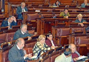 El diputado Jorge Zas, segundo izquierda, elogió la labor de los emigrantes gallegos.