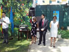 el vocal de Juventud de la Casa de Asturias en Valencia, Pablo Arce; la presidenta, Carmen Revuelta; el consejero de Presidencia, Guillermo Martínez; y, la directora general de Emigración, Begoña Serrano.