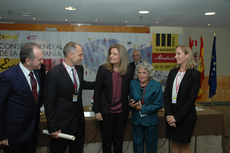 Báñez y Elvia Martínez con Eduardo Dizy, Antonio Fidalgo hijo, Aurelio Miras (al fondo) y Marina del Corral.