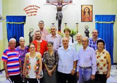 Asistentes a la misa por el Día de Cantabria.