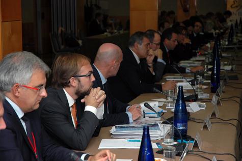 Los representantes de las comunidades autónomas en la reunión.
