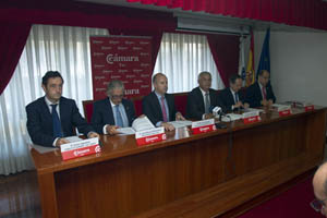 Javier Aguilera (1º por la izquierda), en el acto celebrado en Tui.