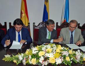 Antonio Rodríguez Miranda, el embajador español Antonio Pérez Hernández y Torra, y Francisco González Otero.