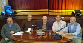 Mesa de periodistas en el Centro Gallego.