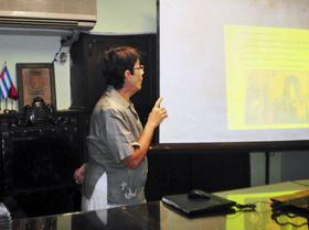 María A. Pérez impartió una conferencia sobre la reina Isabel la Católica.