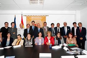 Con los representantes de las entidades que realizan acciones a favor de los jóvenes españoles en Bélgica.