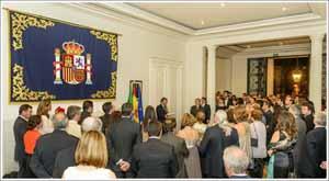 El cónsul general, Ricardo Martínez Vázquez, pronuncia su discurso en la recepción.