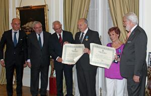 Camba, Tormo, Miras Portugal y De Grandes Pascual junto a los homenajeados.