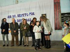 Entrega del premio a Marcos Bardo.