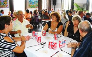 El titular de la Sociedad, Manuel Vallejo (izquierda), presidió la actividad.