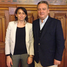 La nueva presidenta del PP en loa Países Bajos, Elisa Robles González, y Alfredo Prada.