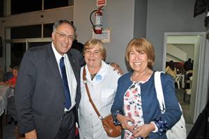 Junto a la directora e inspectora de la Escuela Islas Canarias de San Carlos.