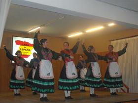 Actuación del Ballet de la Casa de España que fue muy aplaudido por los asistentes.