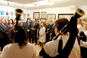 El presidente de Cantabria, Ignacio Diego, junto a Rodríguez Miranda en el Centro Gallego de Santander.