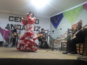 'Color Flamenco hizo bailar a todos con sus canciones.