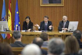 Pilar Rojo, Alberto Núñez Feijóo y Ramón Villares en la presentación del libro.