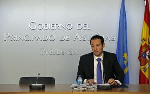 El consejero de Presidencia, Guillermo Martínez, explicó las características de la nueva ley.