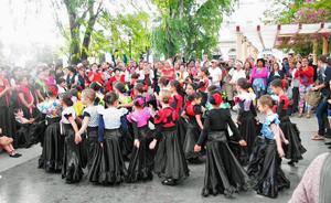 Una de las muchas actuaciones que hubo en la Fiesta de la Colla.