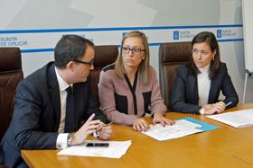 El director de la Axencia Tributaria de Galicia, Ulpiano Villanueva, al conselleira de Facenda, Elena Muñoz, y la delegada de la AEAT en Galicia, Imelda Navajo.