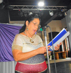 María Ángeles Palacio leyó una semblanza sobre el Concejo de Pravia.