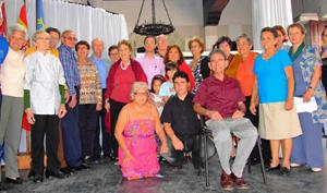 Directivos e invitados que participaron en la celebración por el centenario.
