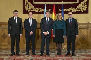 Román Rodríguez, Valeriano Martínez, Alberto Núñez Feijóo, Elena Muñoz y Jesús Vázquez, tras el acto de toma de posesión de los nuevos conselleiros.
