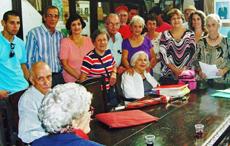 Miembros de la Junta Directiva de 'Hijos de Sarria' en La Habana.