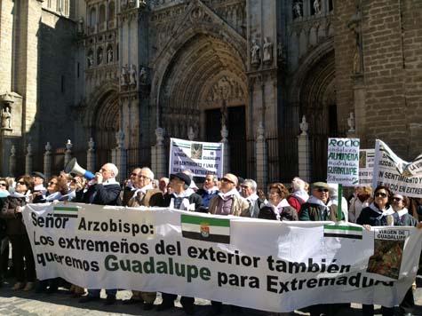 Los emigrantes extremeños decidieron repetir cada año esta concentración el segundo sábado del mes de marzo.
