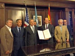 Acuerdo entre Instituto Cervantes y el Gobierno del estado libre asociado de Puerto Rico para la celebración del Congreso en esa ciudad en 2016.