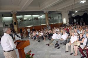 Rueda se dirige a los representantes de la colonia gallega en Cuba.