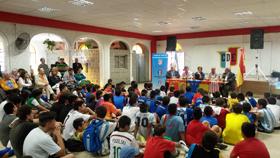 Muchos de los niños que son beneficiados por las actividades que desarrolla la entidad estuvieron presentes en el acto.