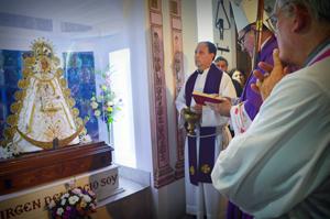El obispo Eduardo Eliseo Martín bendijo la imagen.