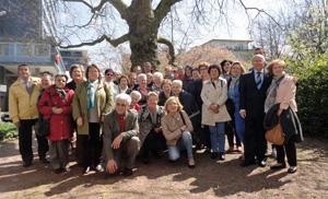 Participantes en el taller para personas mayores.