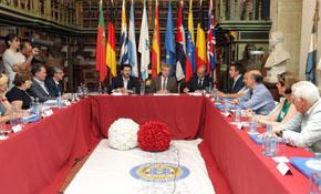 El vicepresidente de la Xunta, Alfonso Rueda, estuvo en la anterior reunión de la Comisión Delegada celebrada en Santiago en junio de 2014.