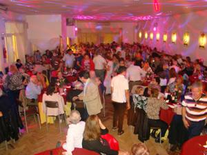 Los asistentes disfrutaron con la fiesta.