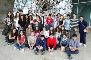 El conselleiro con los alumnos del Cañada Blanca.
